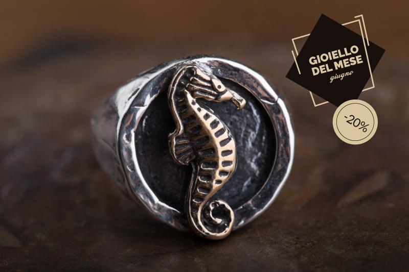 Gioiello del mese, ecco l'anello Cavalluccio di Brezza Marina