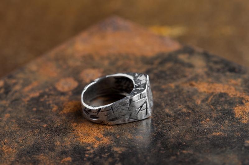 Eres Design - Anello sigillo quadrato Tagli argento