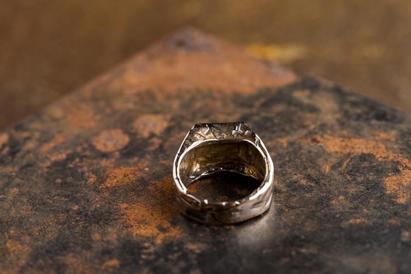 Eres Design - Anello sigillo quadrato Tagli bronzo